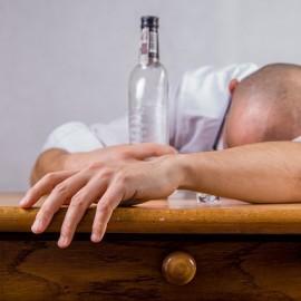 Jak radzić sobie z alkoholikiem w domu?