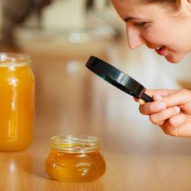Honey trap, czyli jak pułapki zastawiają oszuści matrymonialni