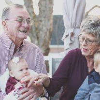 Demograf: w Polsce coraz częściej w rodzinach jest więcej dziadków niż wnuków